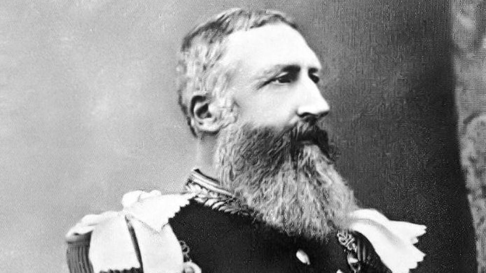 Leopoldo II de Bélgica. Al año siguiente te pones la barba en la cabeza y puedes ir de la novia de Frankenstein.